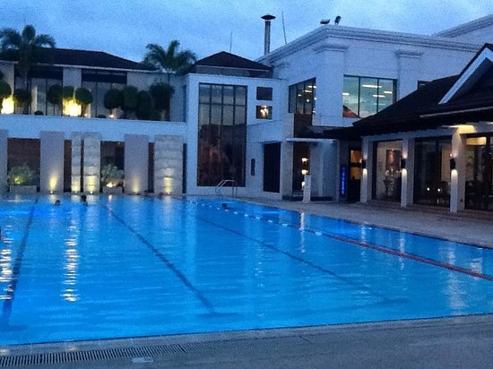 Marco Polo Davao: Awesome pool