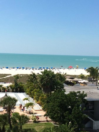 Howard Johnson Resort Hotel - ST. Pete Beach FL: The view from our room