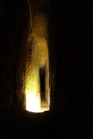 Underground Naples: One of the tunnels!