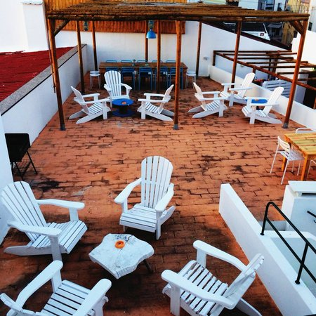 Tag Hostel : a relaxing balcony