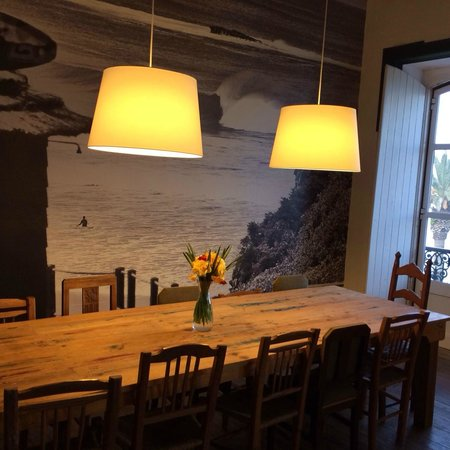 Tag Hostel : a beautiful dining area
