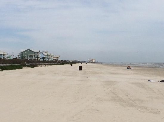 Holiday Inn Club Vacations Galveston Beach Resort: Beach at Hotel