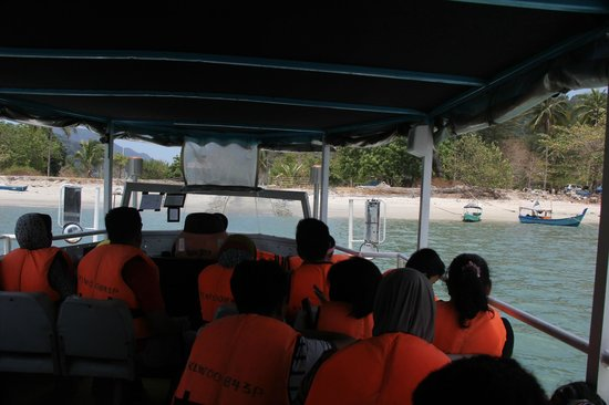 Langkawi Duck Tours- Day Tours: In the crammed craft