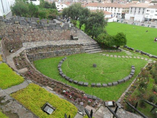 Convento de Santo Domingo: Vista do jardim da Igreja