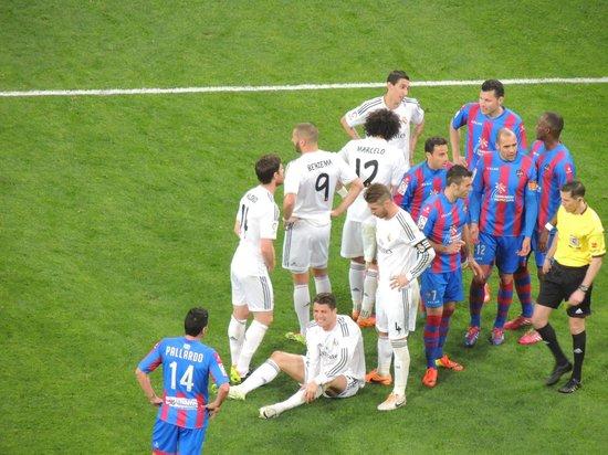 Estadio Santiago Bernabéu: Durante o jogo
