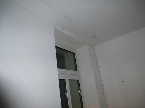 Georghof Hotel Berlin: keine Vorhänge im Erdgeschoss