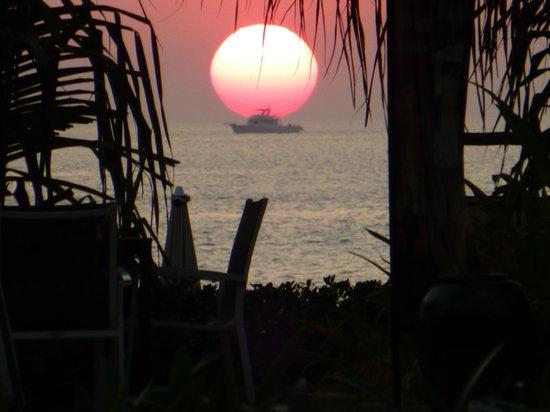 Katathani Phuket Beach Resort: Wonderful sunsets