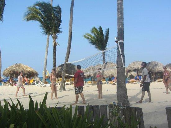 Iberostar Bavaro Suites : Beach volleyball.