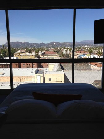 The Line : Bed and View