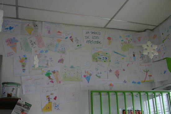 Gelateria la Ghiotta: la pared de los artistas