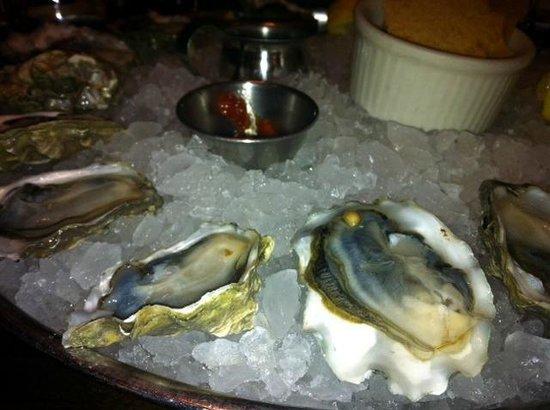 BlackSalt Fish Market & Restaurant : Glacier Bay oysters