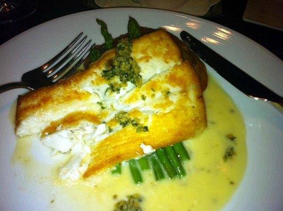 BlackSalt Fish Market & Restaurant : Halibut in a lemon-butter caper sauce and pommes Anna