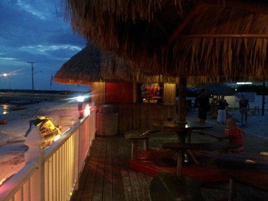 The Godfrey Hotel & Cabanas Tampa : bar sotto l'hotel