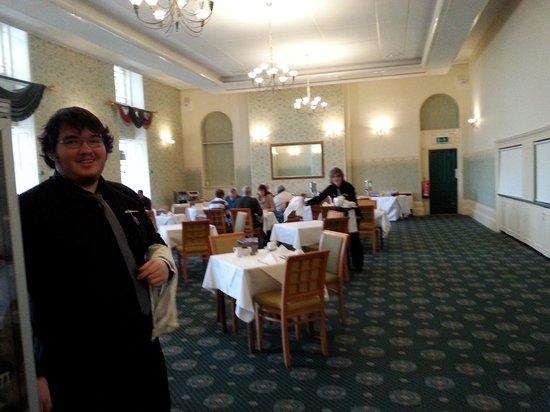 The Royal Victoria Hotel Snowdonia: Happy to serve