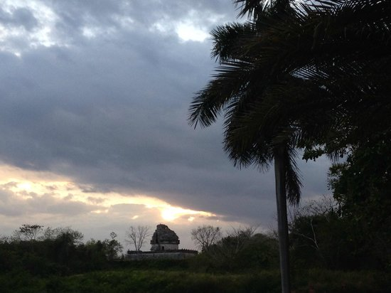 The Lodge at Chichen Itza: VIEW FROM THE HOTEL