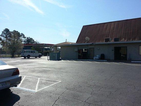 Travelodge Inn & Suites Jacksonville Airport: Breakfast/Lobby Area