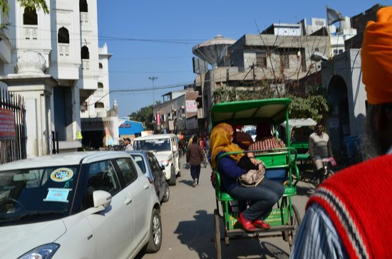 HOTEL AKAAL RESIDENCY: Streets of Amritsar.