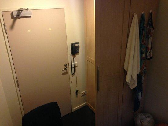 Scholar Hotel Apartments: Porta