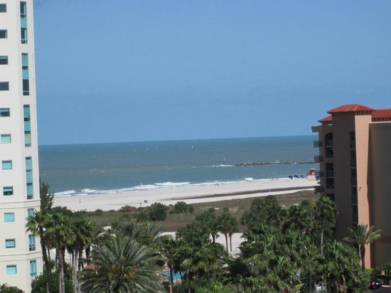 Clearwater Beach Marriott Suites on Sand Key: View from room - beach side - out front door