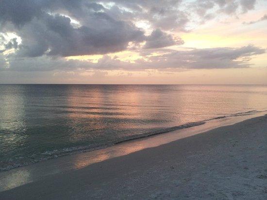 Best Western Naples Inn & Suites: spiaggia