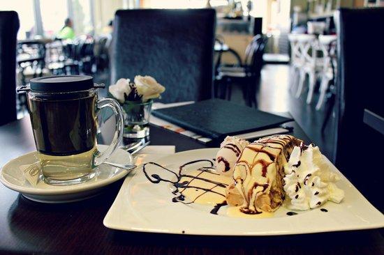 Cafe-Haus Koch Berlin: Apfelstrudel als Frühstück