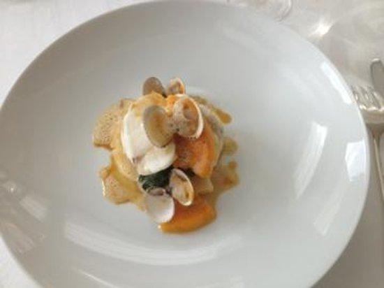 Le Saison : Lotte ,butternut,beurre d'orange et estragon