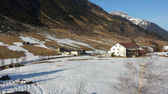 Alpenhotel Tirol Galtur: view to river