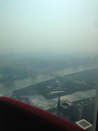 Four Seasons Hotel Guangzhou : вид на реку