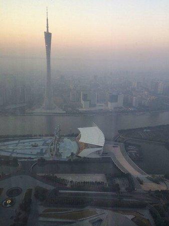 Four Seasons Hotel Guangzhou : телебашня