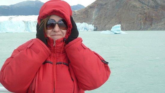 Patagonia Adventures: Mi esposa y de fondo el Glaciar Viedma