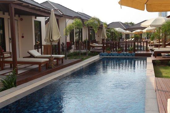Pinnacle Grand Jomtien Resort: Бассейн