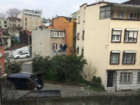 """Kalyon Hotel Istanbul: The so called """"city"""" view"""