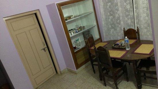 Sai Sadan Homestay: Dinning