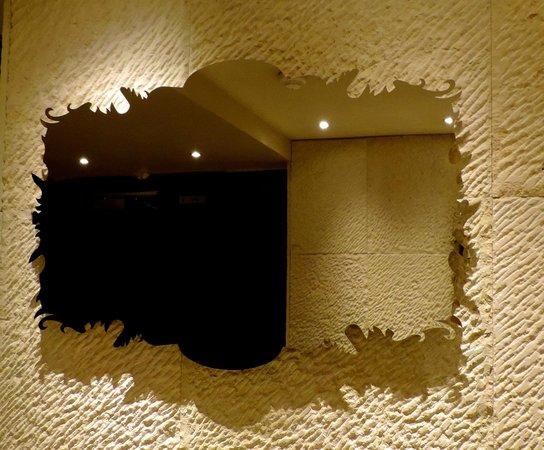 Hotel Banke: Baño del lobby