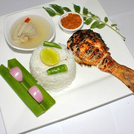 Guraidhoo Vacation Inn: Maldivian Dinner