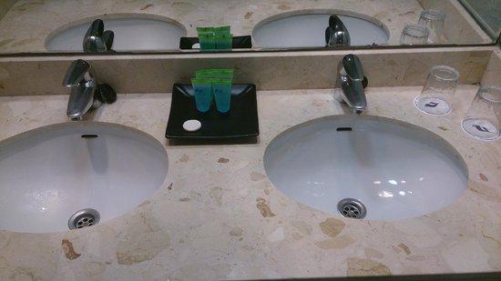 THB Torrequebrada Hotel: amenities (repuestos a diario)