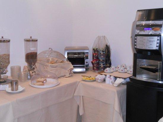 Mediterraneo Palace: buffet colazione
