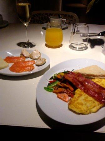 Hotel Banke: Desayuno