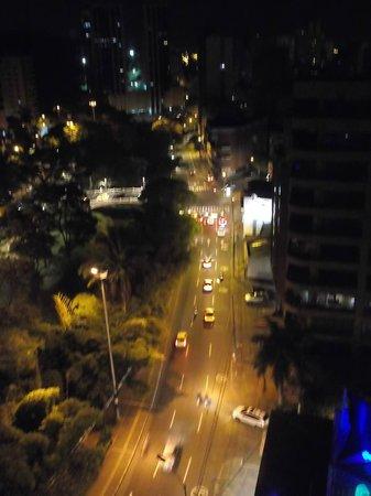Hotel Obelisco Cali: HERMOSA  VISTA  NOCTURNA