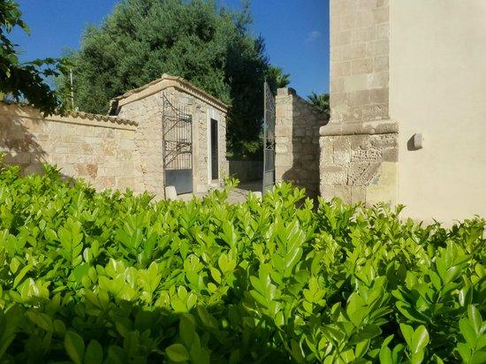 Relais Torre Marabino: Garden