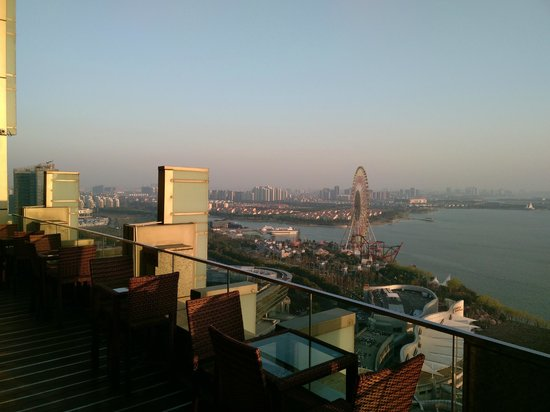 InterContinental Suzhou: view from the bar at 27f
