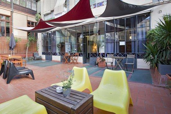 ELLA Hostel Barcelona: Terrace