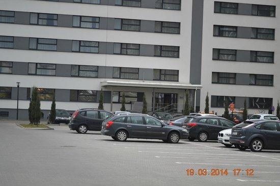 Hotel Atos: Front Door