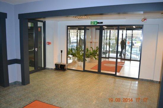 Hotel Atos: Lobby