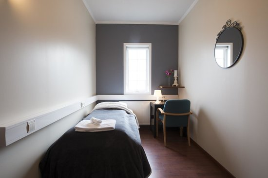 Nupan Deluxe: Single Room