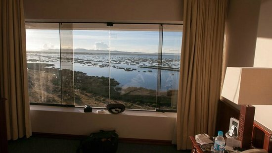 Libertador Lake Titicaca : That is what the window looks like in my room