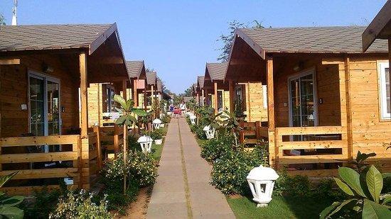 Estrela Do Mar Beach Resort : Swiss Cottages