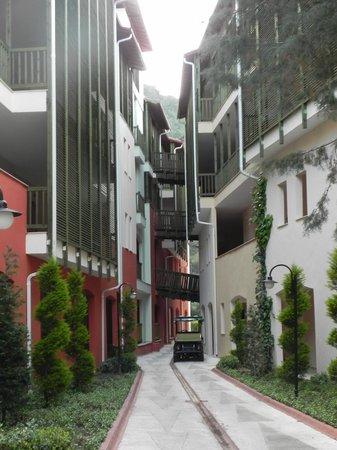 Amara Dolce Vita Luxury: Прекрасные улочки