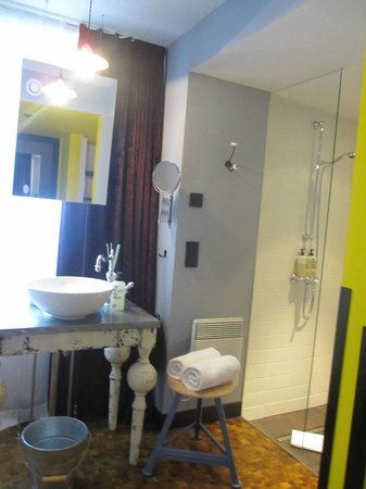 25hours Hotel beim MuseumsQuartier: Bad / Dusche