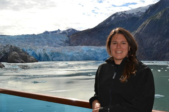 Tracy Arm Fjord : The Captain got us closer than normal to the glacier